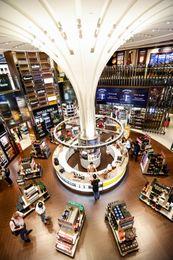 DFS+T2+Wines+&+Spirits+Duplex,+Singapore+Changi+Airport_mid