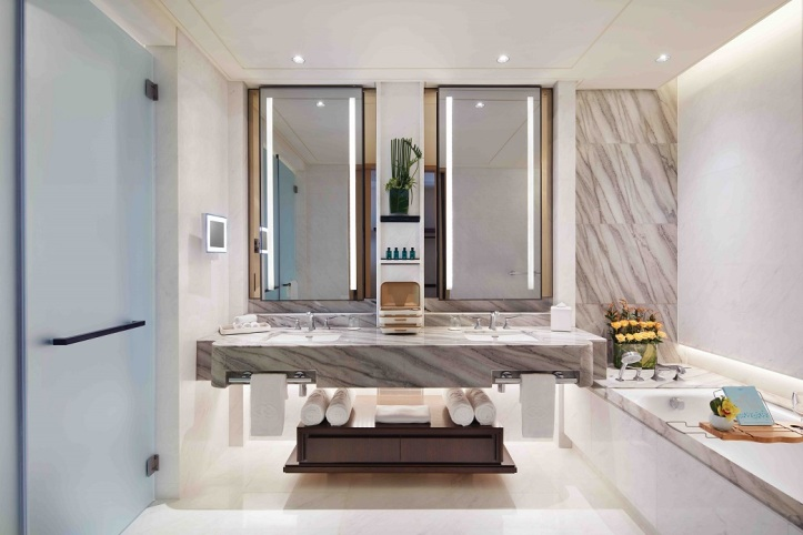 1Prestige Suite Bathroom