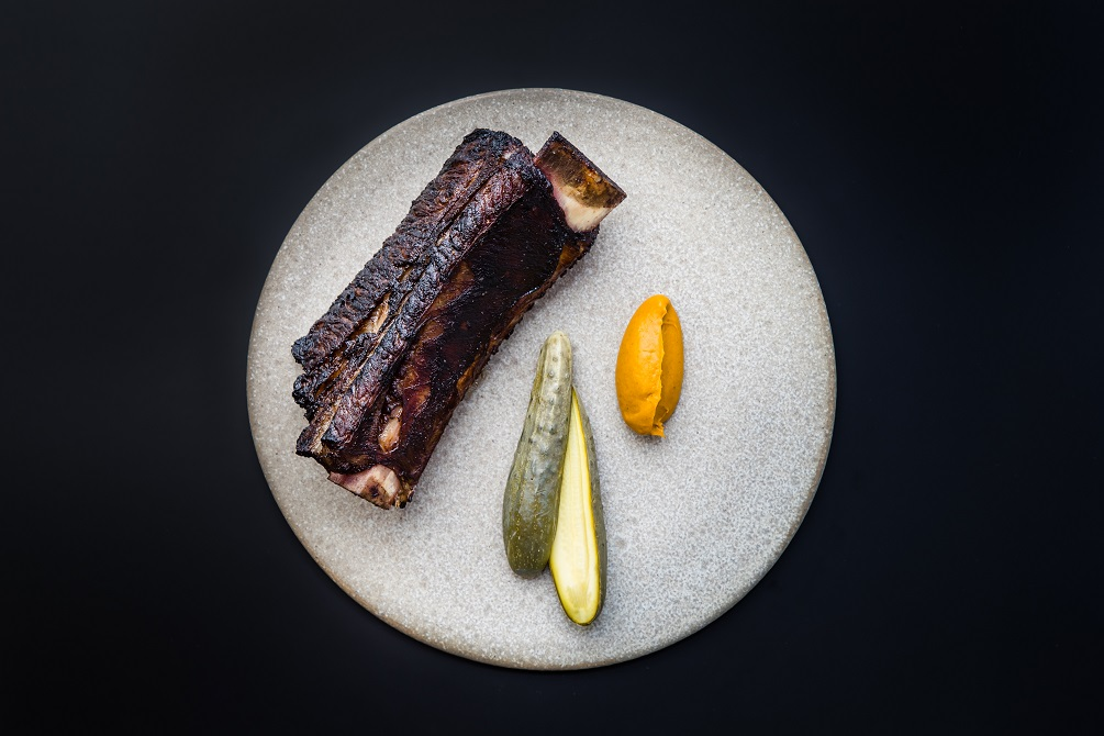 Blackwattle_Grilled beef short rib_ carrot _ kelp puree_ dill pickled cucumber