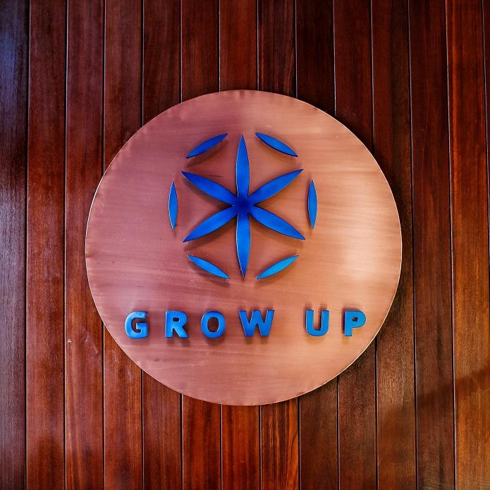GROW UP8