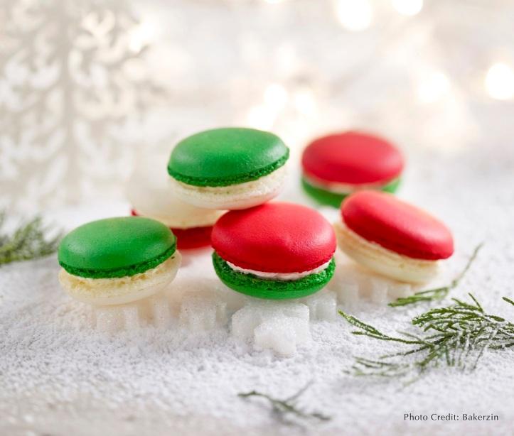 Festive Macarons 'Santa Buttons'