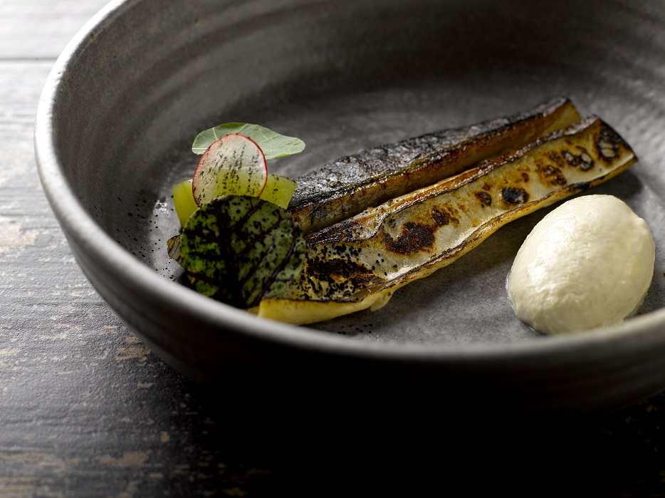 Mackerel, Gin, Horseradish, Pickles & Nori Ash