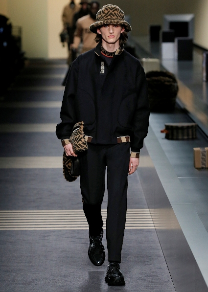 05_FENDI_MEN_FW_18-19