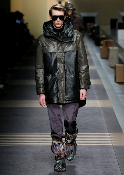 21_FENDI_MEN_FW_18-19