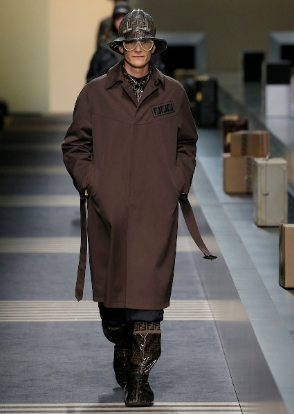 22_FENDI_MEN_FW_18-19