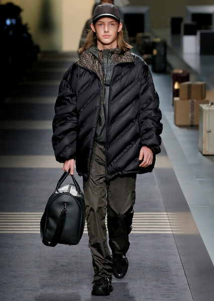 23_FENDI_MEN_FW_18-19