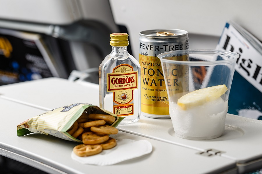 British Airways' new World Traveller catering - pretzels and a gin & tonic