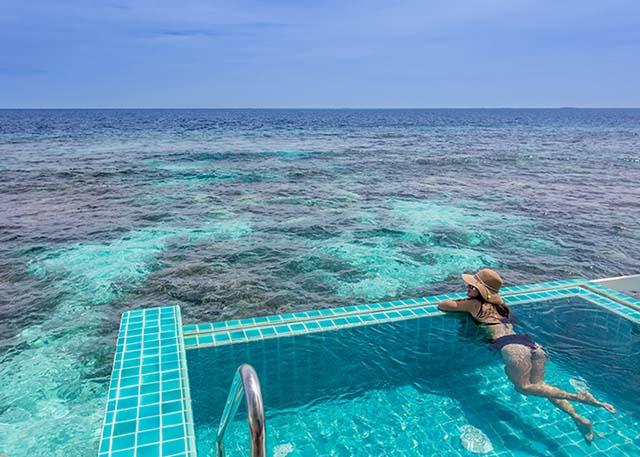 2-maldives-maldives-sunset-ocean-pool-villa-03-640x457-640x457