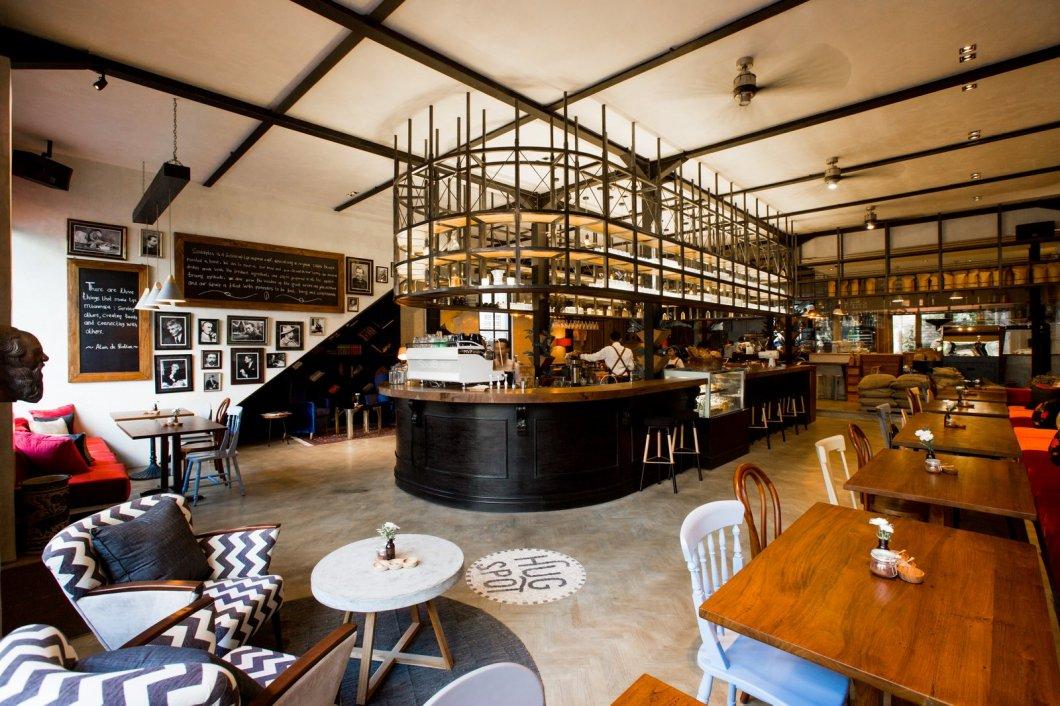 Entrance and bar SoulBytes Bali 11.03.49