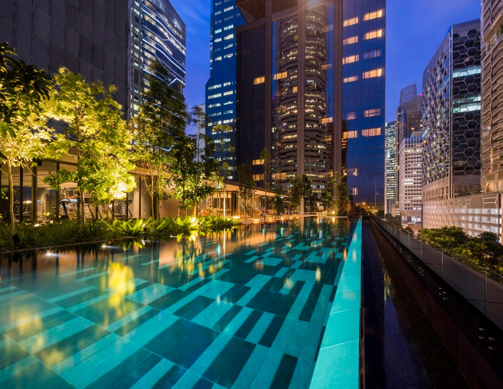 Outdoor Infinity Pool 2