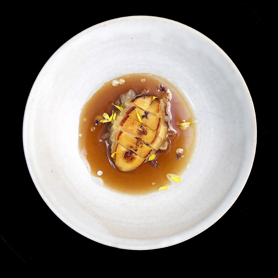 Abalone, burnt onion broth, white sesame, kinome (TOP)