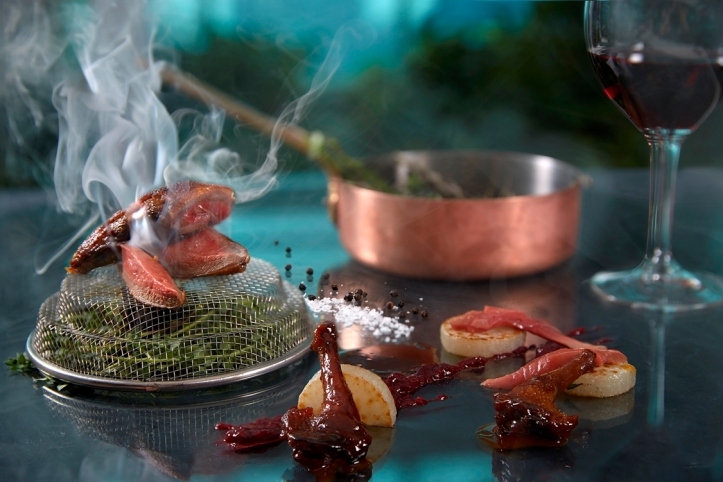 roasted Bresse pigeon mixed berries rosemary smoked white turnips_credits solostepstudio