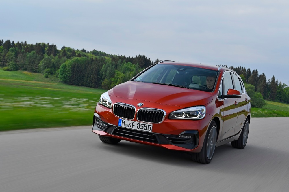 P90305215_highRes_the-new-bmw-2-series