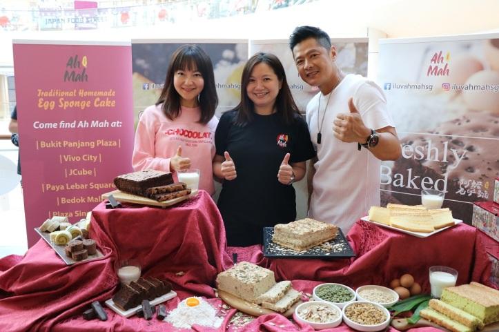 (from left) UFM 100.3- DJ Kemin, Ah Mah CEO- Serene Ang & Li NanXing