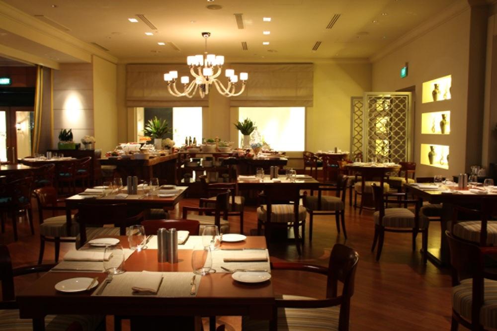 Four Seasons Hotel Singapore_One-Ninety Restaurant