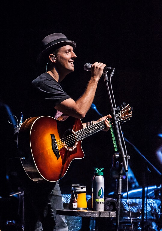 Jason Mraz photo by Eric Morgensen.jpg