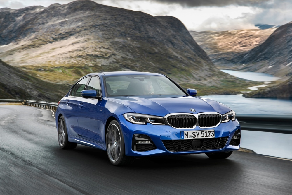 P90323664_highRes_the-all-new-bmw-3-se