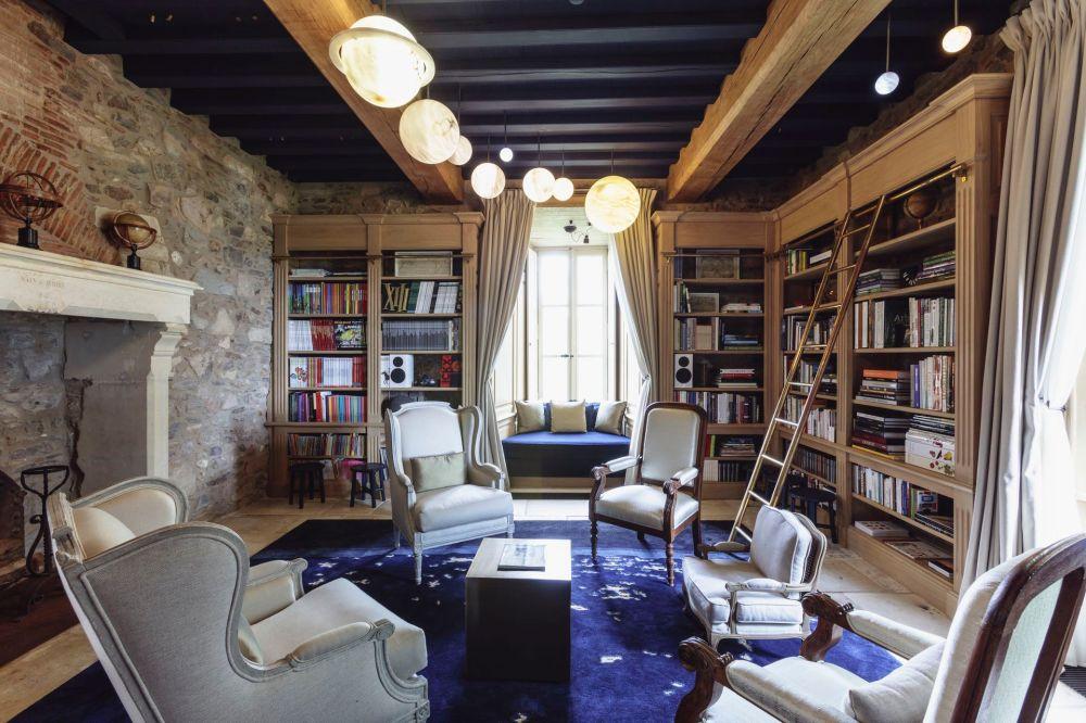 Le-chateau-domaine-des-etangs-bibliotheque