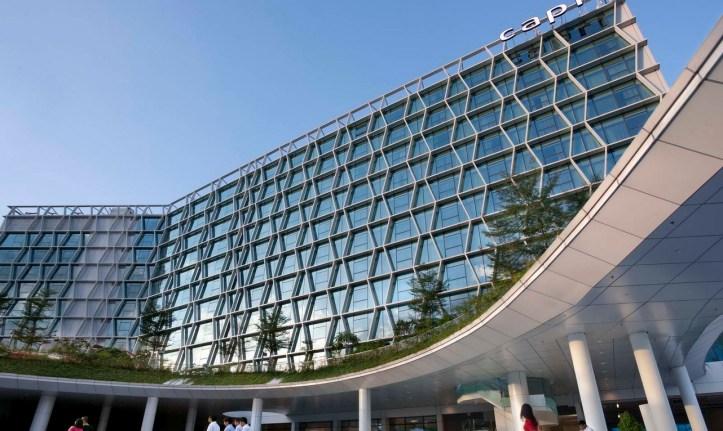 capri-changi-singapore-facade-landscape
