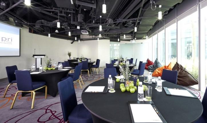 capri-changi-singapore-meeting-room-1