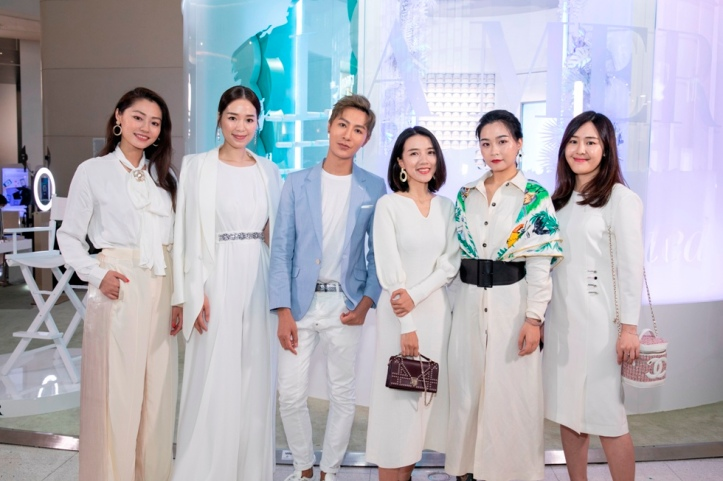 Mr. Perry Liu and top tier local and Asia Pacific influencers