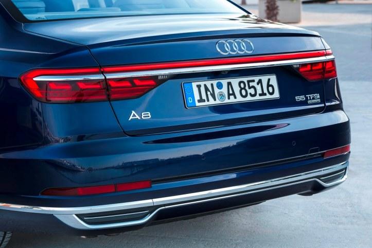 Audi A8 (16)