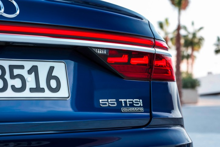 Audi A8 (18)