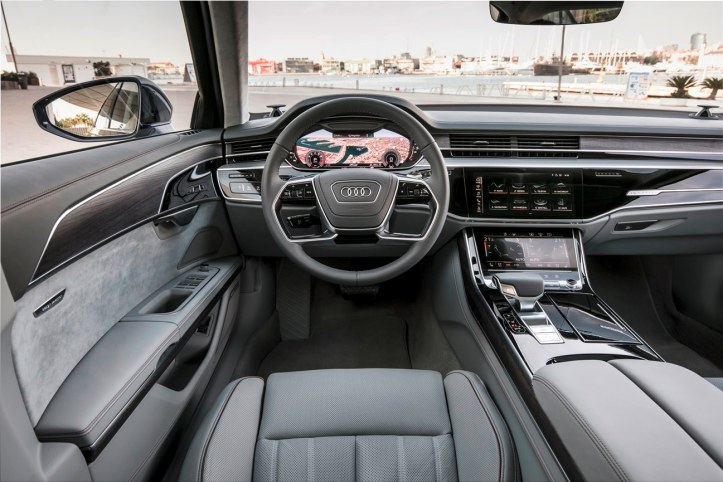 Audi A8 (22)