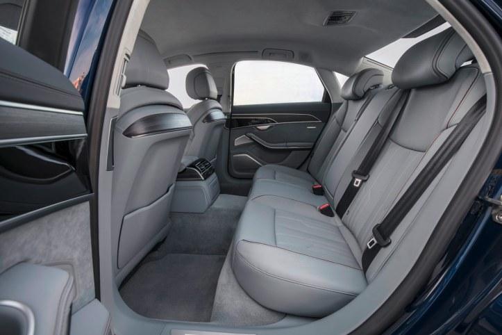 Audi A8 (23)
