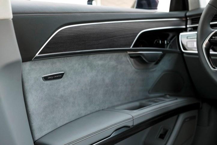 Audi A8 (24)