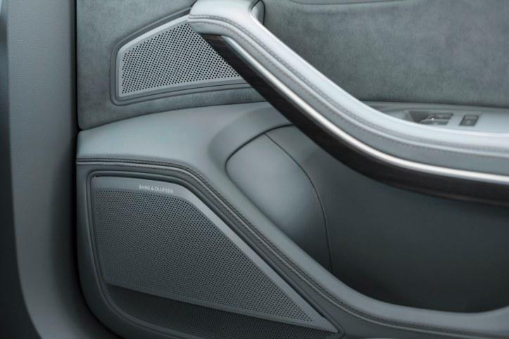 Audi A8 (25)