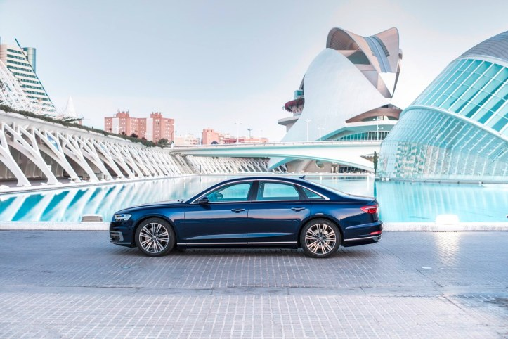 Audi A8 (70)