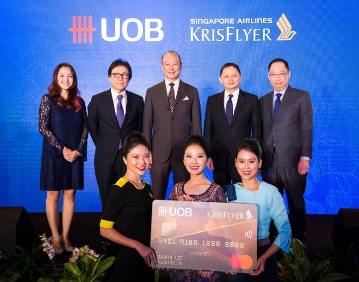 UOB's Deputy Chairman and CEO Mr Wee Ee Cheong and Singapore Airlines Group's CEO Mr Goh Choon Phong reaffirm the partnership between the two companies at the launch of the KrisFlyer UOB Credit Card