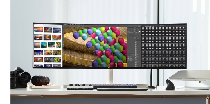 MNT-49WL95C-03-1-Visual-Content-Desktop.jpg