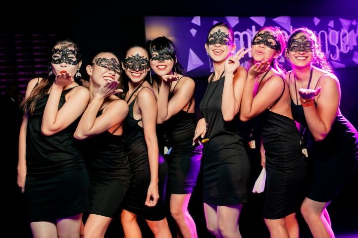 Amber Lounge Singapore - Party atmosphere.jpg