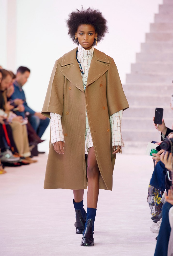 Chloé Fall Winter 2019 - 01