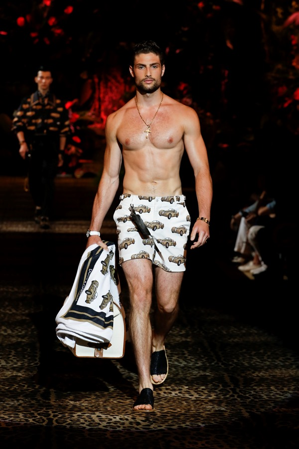 Dolce&Gabbana Men's Fashion Show Spring-Summer 2020 (44)