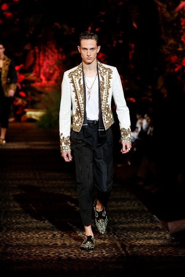 Dolce&Gabbana Men's Fashion Show Spring-Summer 2020 (56)