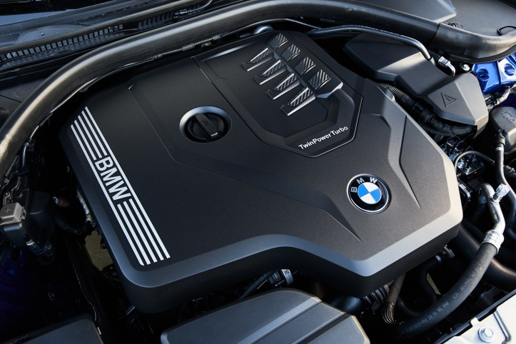 P90332504_highRes_the-all-new-bmw-330i.jpg