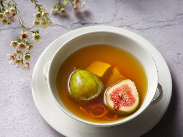 Jiang-Nan Chun Summer Menu - Double-boiled Pork Shoulder with Figs and Cordyceps Flower