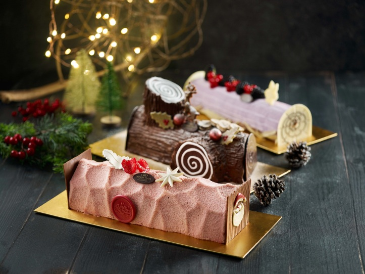 Crowne Plaza Changi Airport - Festive 2019 - Log Cakes (2)
