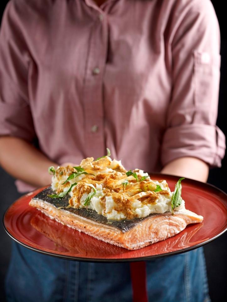 Hotel Indigo Singapore Katong - Festive 2019 - Salmon with Laksa Sauce - Baba Chews