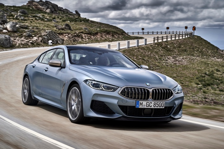 P90351029_highRes_the-new-bmw-8-series