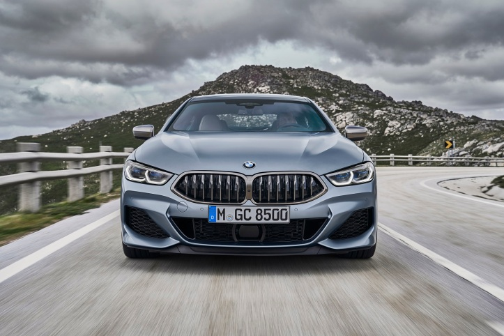 P90351032_highRes_the-new-bmw-8-series