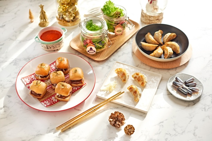 Turkey Mantou Slider & Pan-fried Turkey and Chive Gyoza