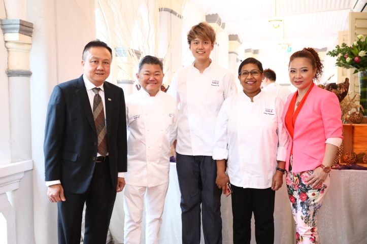 Alan Tan, Chef Justin, Chef Immanuel, Chef Devagi, Chris Loh.JPG