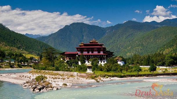 drukasia_032014_drukasia_031414_punakha-dzong-1