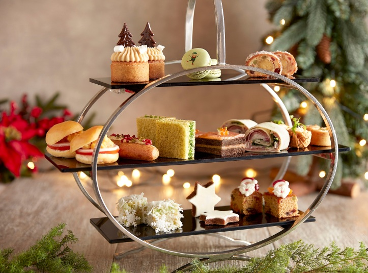 The Fullerton Festive Dining 2019 - The Landing Point Afternoon Tea Tier.jpg