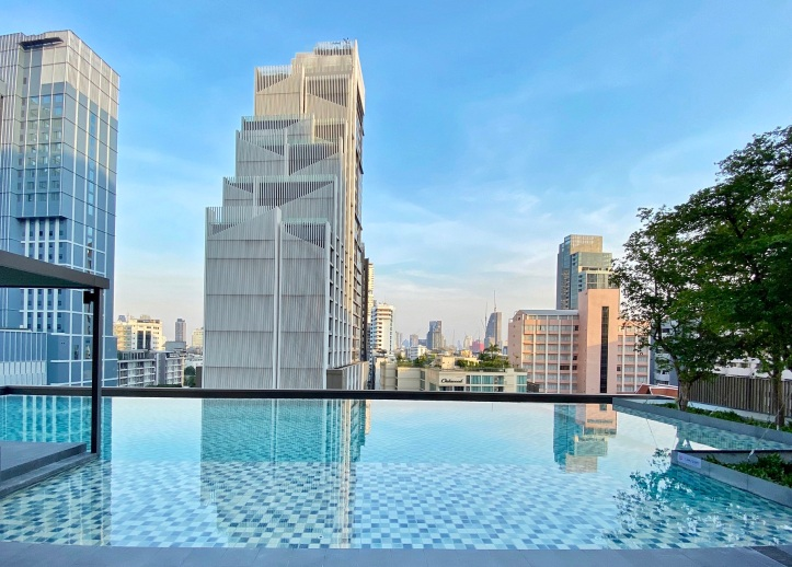 Oakwood Suites Bangkok_Infinity Swimming Pool