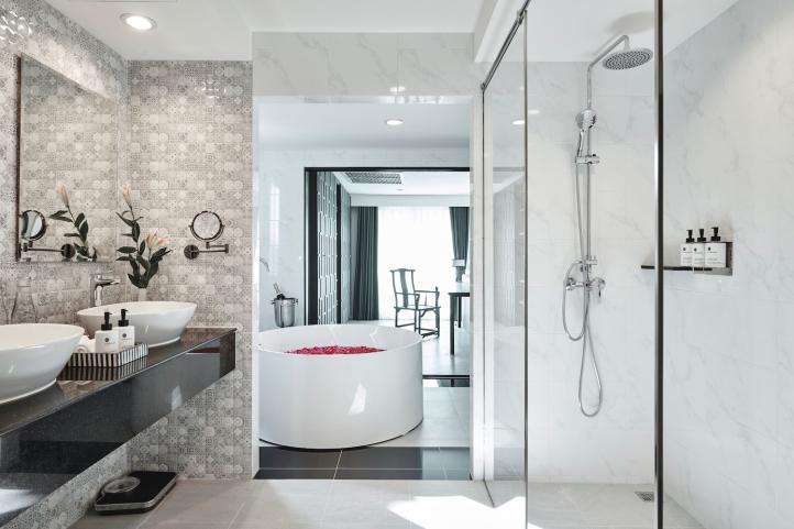 Villa de Pranakorn_Suite Bathroom 2